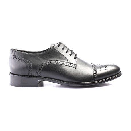 Perforated Captoe Brogue Derby // Black (Euro: 40)