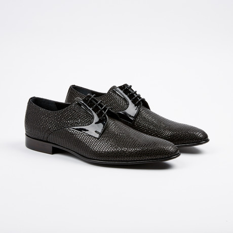 Textured Derby // Black (US: 8)