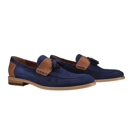 Raffadali // Navy Blue (Euro: 39)