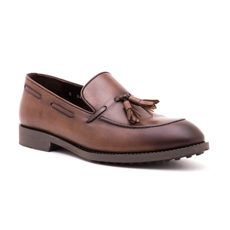 Damat Apron Tassel Loafer // Walnut (Euro: 39)