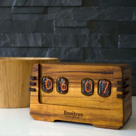 The Vintage Nixie Tube Clock // OHM