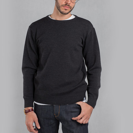 The Duncan Sweater // Charcoal