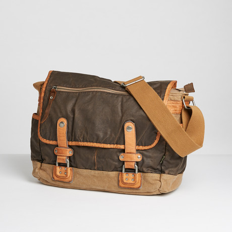 Tapa Messenger // Brown