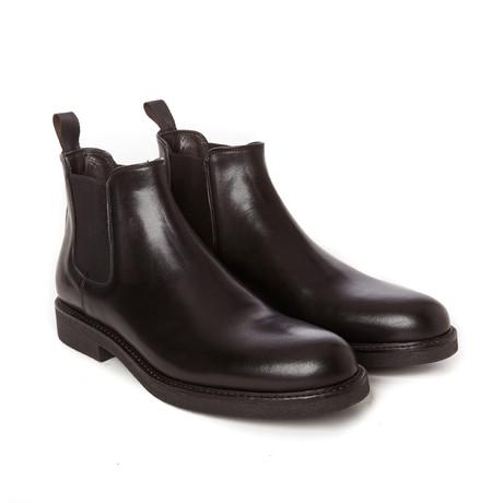 Plain Chelsea Boot // Black