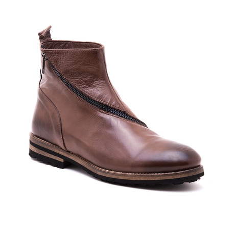 Slope Boot // Light Brown (Euro: 39)