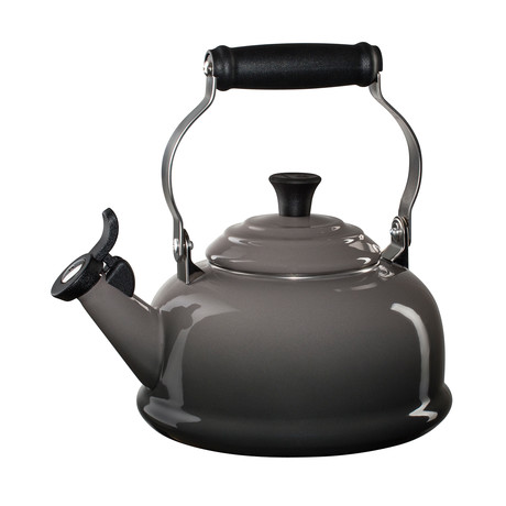 Whistling Tea Kettle (Cerise)