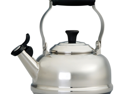 Le Creuset Cast Iron Cookware Whistling Tea Kettle // Stainless Steel