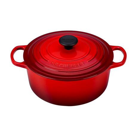 Signature Round Dutch Oven // 5.5 qt (Cerise)