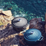 Signature Round Dutch Oven // 5.5 qt (Marine)