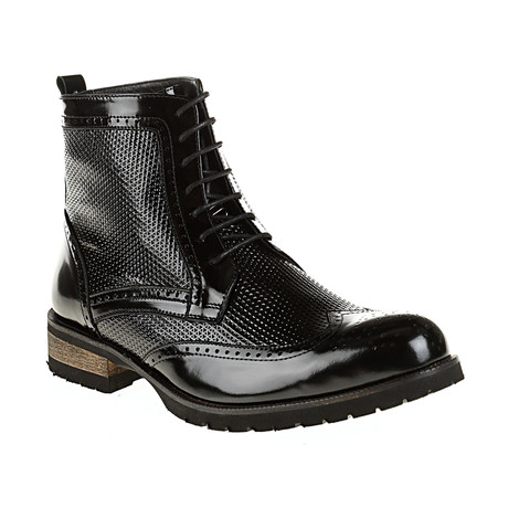 Textured Wing-Tip Boot // Black (Euro: 40)