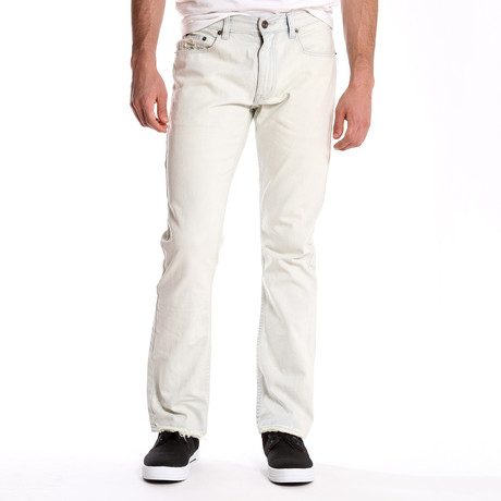 Embroidered Light Wash Jean (30WX32L)
