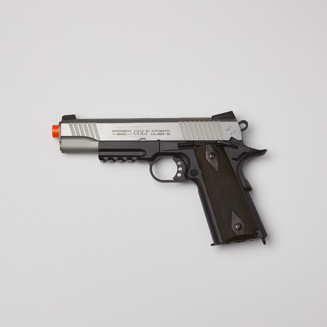 Colt 1911 + 5000 BB's + 5 Pack CO2