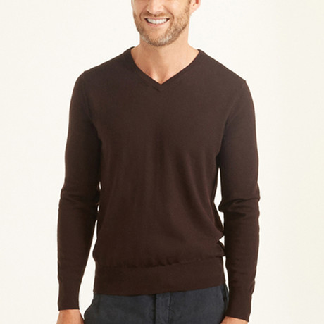 Vee Neck Pullover // Chocolate (L)