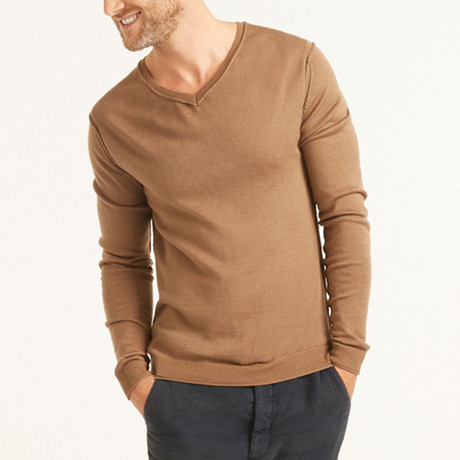 V-Neck Shoulder Stitch Pullover // Camel (S)