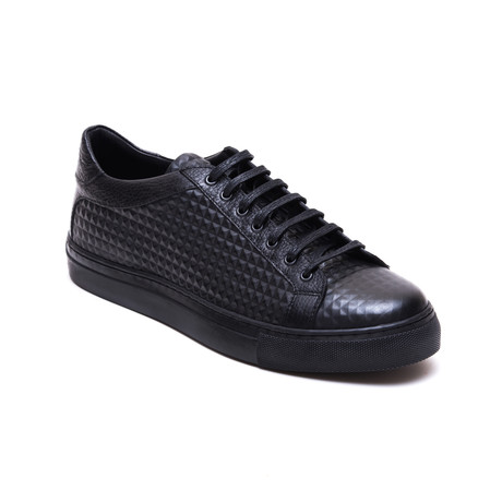 Textured Low Top Sneaker // Black (Euro: 40)