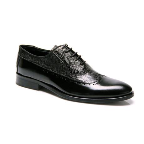 Textured Wng-Tip Oxford / Black (Euro: 39)