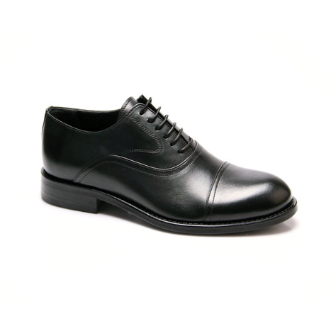 Classic Cap-Toe Oxford // Black (Euro: 39)