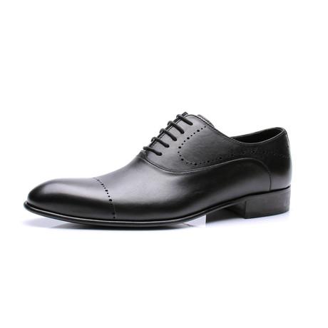 Proferrated Cap-Toe Oxford // Black (Euro: 39)