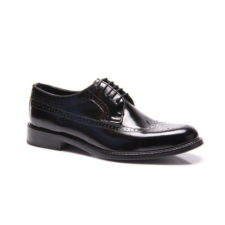 Reprise // Medallion Wingtip Derby // Black (Euro: 40)