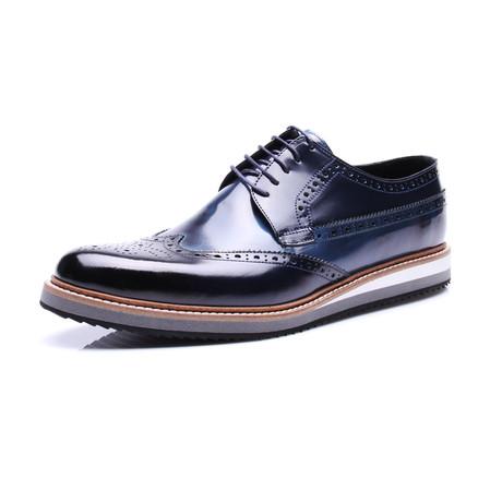 Medallion Wing-Tip Shoe // Dark Blue
