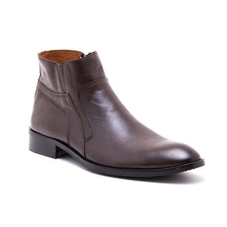 Chelsea Boots // Brown (Euro: 39)