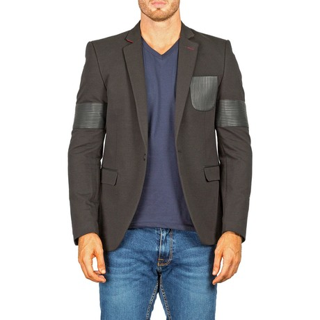 Sleeve + Pocket Detail Blazer // Black (US: 40R)