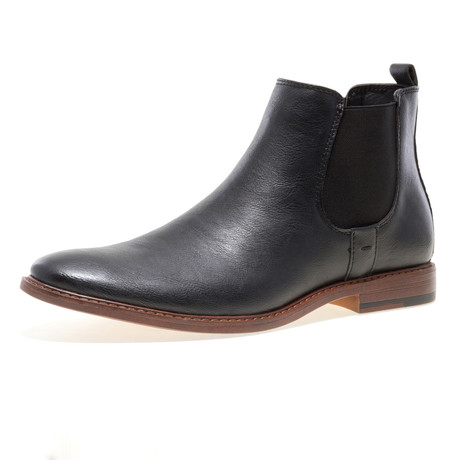 Pietro Shoe // Black (US: 8)
