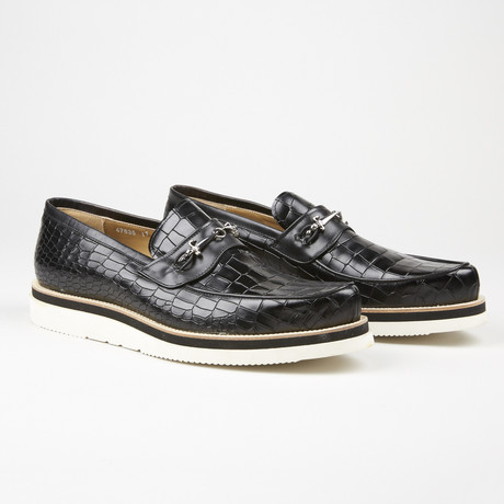 Alligator Design Buckle Loafer // Black (US: 6)