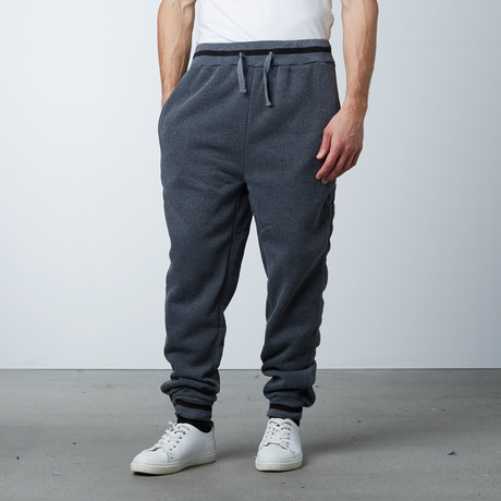 Fleece Jogger Varsity Pant // Charcoal (S)
