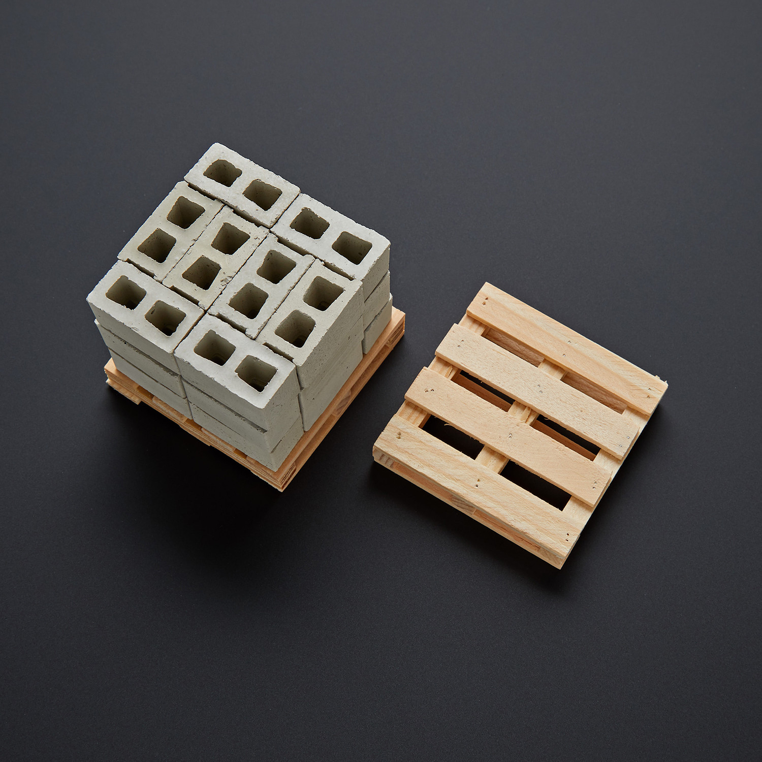 1:12 Scale Mini Cinder Blocks + 2 Pallets - Small Supply Co