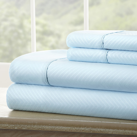 Hotel Collection // Luxury Soft Chevron 4 Piece Bed Sheet Set // Aqua (Full)