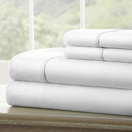 Hotel Collection // Luxury Soft Chevron 4 Piece Bed Sheet Set // White (Twin)