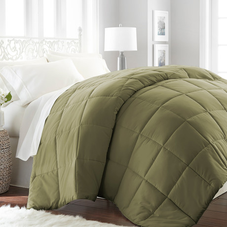 Hotel Collection // Premium Ultra Plush Down Alternative Comforter // Sage (Twin/Twin XL)