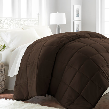 Hotel Collection // Premium Ultra Plush Down Alternative Comforter // Chocolate (Twin/Twin Extra Long)
