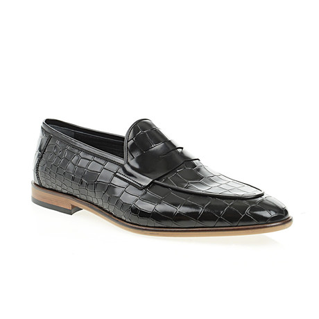 Pointed Crocodile Embossed Penny Loafer // Black (Euro: 40)
