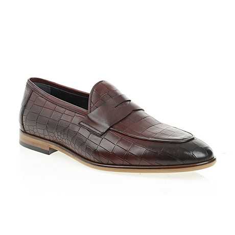 Pointed Crocodile Embossed Penny Loafer // Claret Red (Euro: 40)