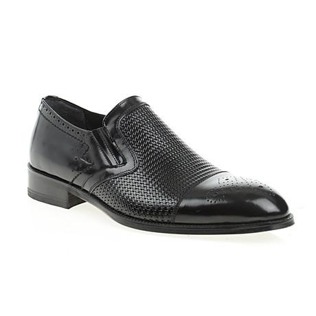 Embossed Perforated Cap Toe Slip-On // Black (Euro: 40)