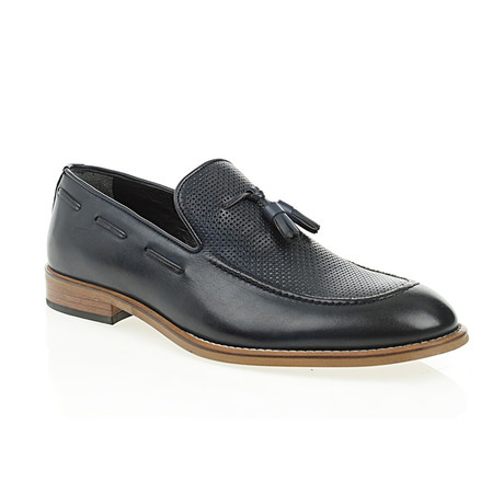 Perforated Tassel Loafer // Navy Blue (Euro: 40)