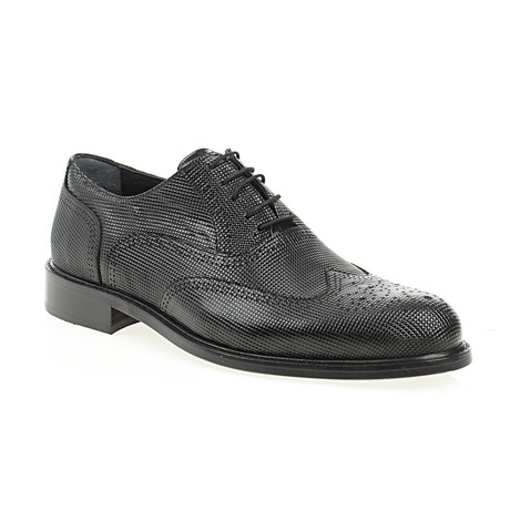 Fully Embossed Oxford // Black (Euro: 40)