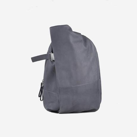 Isar Medium Alias // Cowhide Leather // Graphite Grey