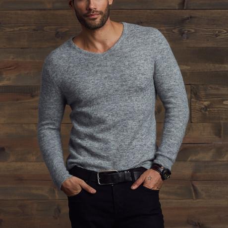 Gavin Fuzzy V-Neck Sweater // Husky (S)