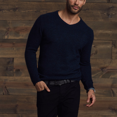 Gavin Fuzzy V-Neck Sweater // Indigo (S)