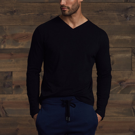 Helden Long Sleeve V-Neck // Black (S)