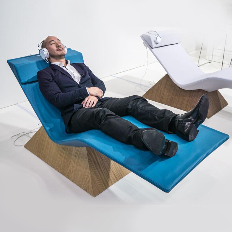Move Massage Lounge // Walnut Base (ELMOsoft // Grey