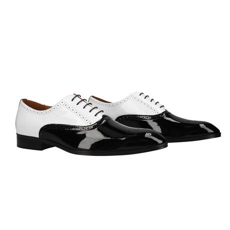 Capone // Black + White (Euro: 39)
