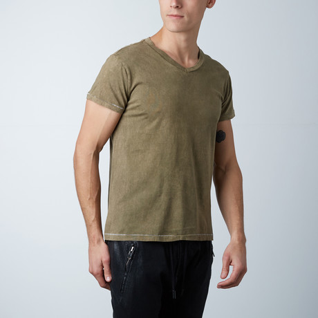 Mineral Wash V-Neck // Yessir (XS)