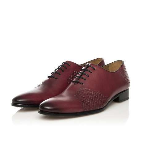 Lace-Up Oxford // Wine (Euro: 39)