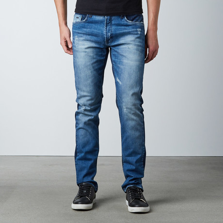 Baseline Skinny // Faded Medium Blue (29WX32L)