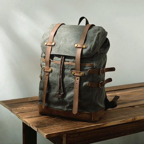 No. 776 Canvas Backpack (Black)