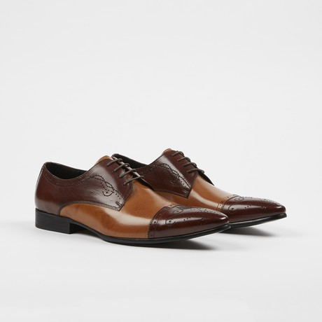Leather Lace-Up Brogue Pointed Cap Toe Shoes // Brown + Brown (US: 6)
